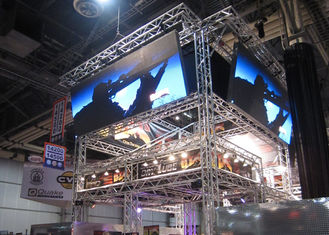China Large Viewing Angle Indoor LED Screen 4mm Full Color For Entertainment Bar supplier